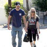Fergie + Josh Duhamel: 7. Oktober 2013 Josh und Fergie planen und bauen an ihrem Eigenheim, dazu gehört auch die Inspektion. Hand in Hand besuchen sie die Baustelle.