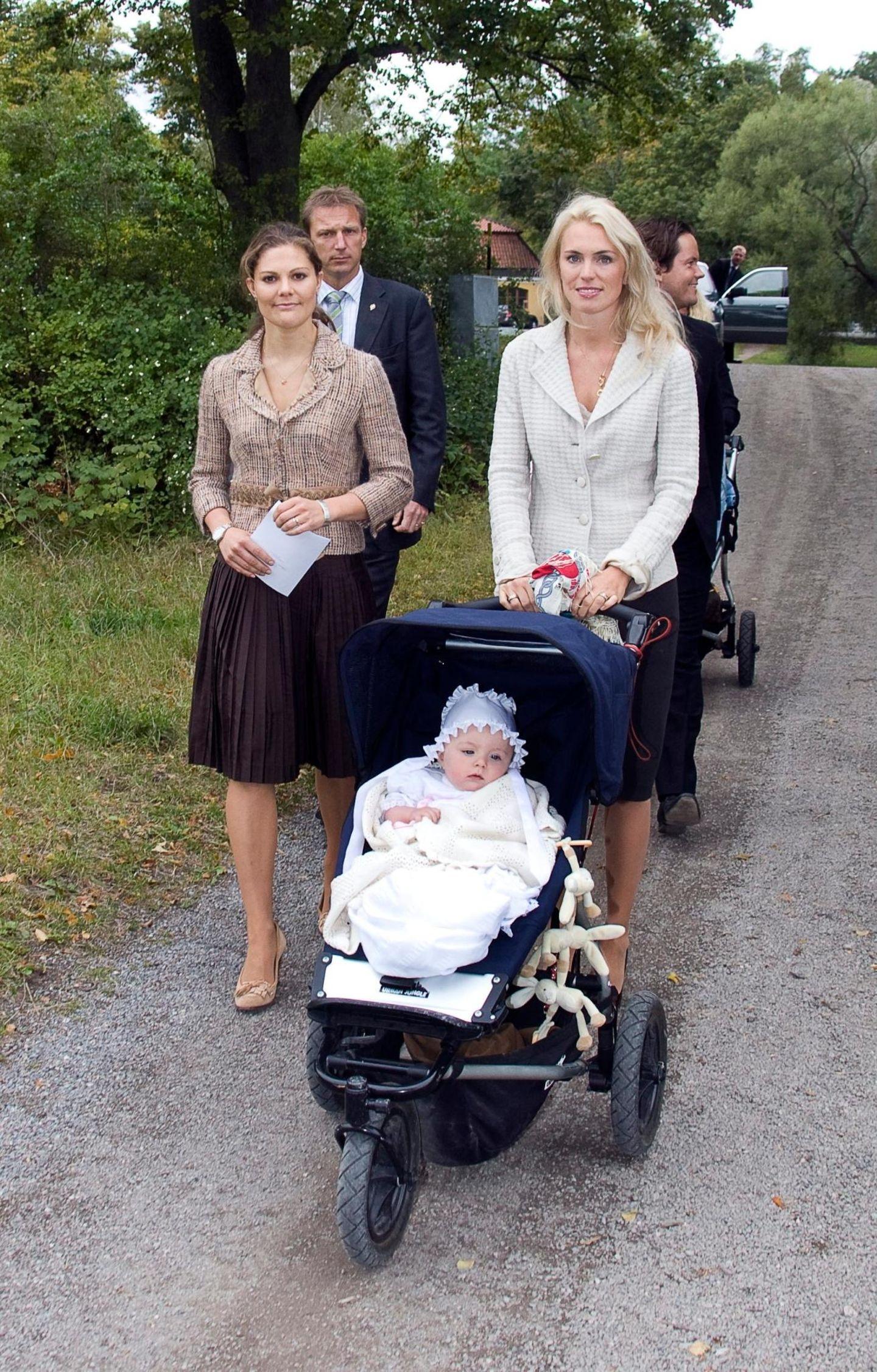 Victorias beste Freundin: Kronprinzessin Victoria und Andrea Engsäll sind engste Freundinnen. 2007 wurde sie Taufpatin von Engsälls Tochter Diana.