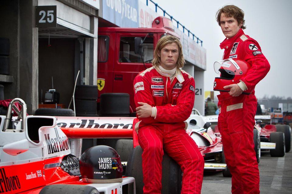 "In ""Rush"" spielt Brühl Niki Lauda (r.), Chris Hemsworth seinen Rivalen James Hunt."