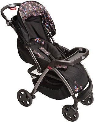 Am Kinderwagen wurde bemängelt, dass sich eine Schnalle wiederholt während des Sicherheitstests geöffnet habe.