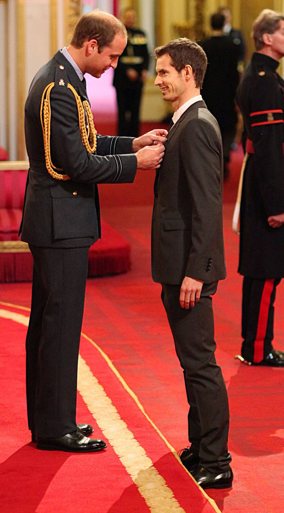 Auch Tennis-Star Andy Murray konnte sich über die Ehre von Prinz William freuen.