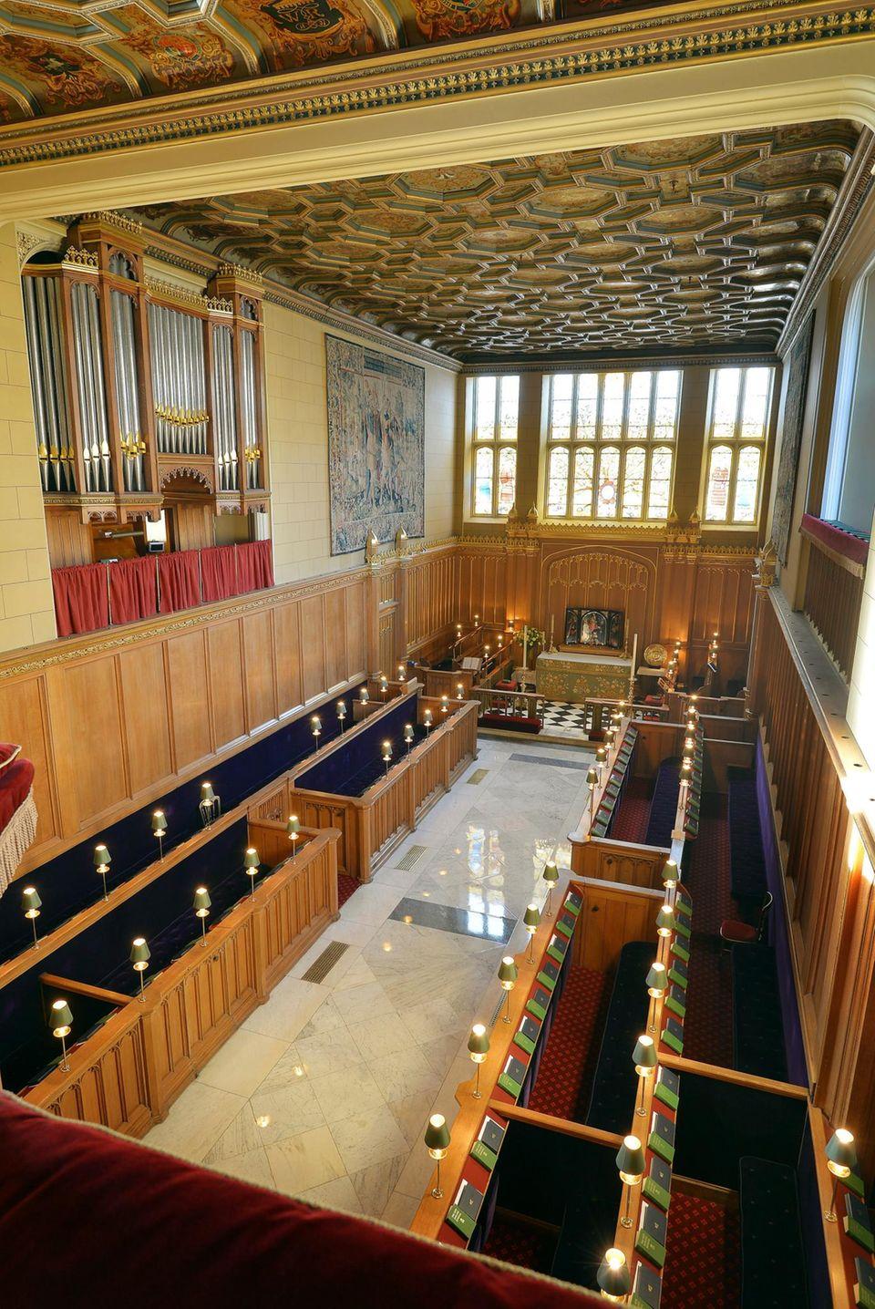 """Die """"Chapel Royal"""" bietet relativ wenig Platz. Unter Anderem deshalb wurde sie von Kate und William für die kleine Familienfeier gewählt."""