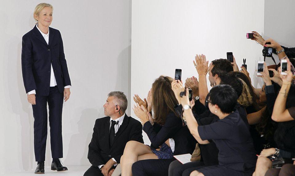 Jil Sander bei ihrer Fashionshow im September 2012. Presse und Modefans feiern die Hamburgerin für ihr gelungenes Comeback.