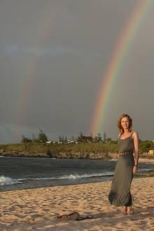 Christiane versucht auf Hawaii, den Tod ihres Sohnes zu verarbeiten.