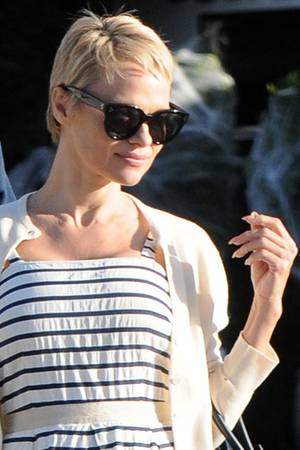 Pamela Anderson - Kurzhaarschnitt