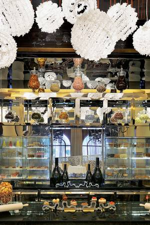 """Pastry Library"" im Restaurant ""Stay"""