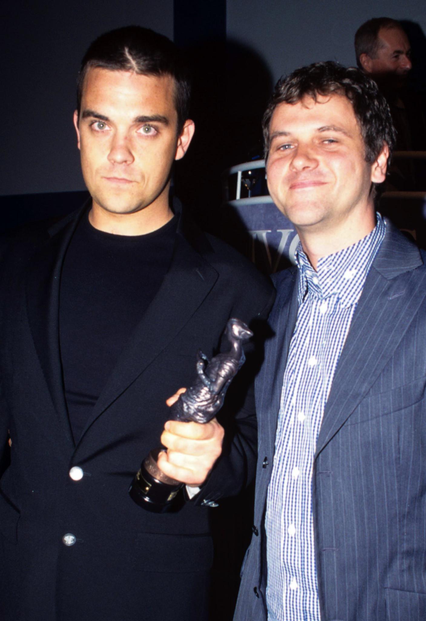 """Gemeinsam schrieben Robbie und Guy Mega-Hits wie """"Let Me Entertain You"""" und """"Angels""""."""