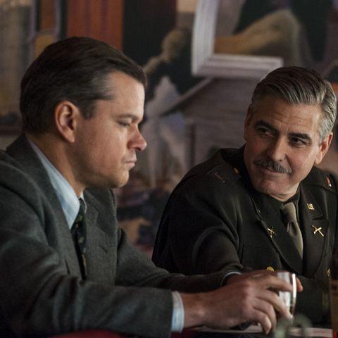 George Clooney, hier mit seinem Kollegen und Freund Matt Damon, schrieb das Drehbuch, führte Regie und übernahm eine Hauptrolle in dem Film, der auf der Berlinale 2014 Premiere feiert.