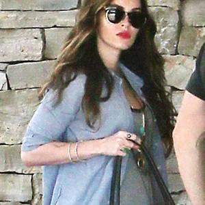 Im August machte Megan Fox ihre zweite Schwangerschaft bekannt. Ihr erster Sohn Noah Shannon war zu dem Zeitpunkt gerade zehn Monate alt.