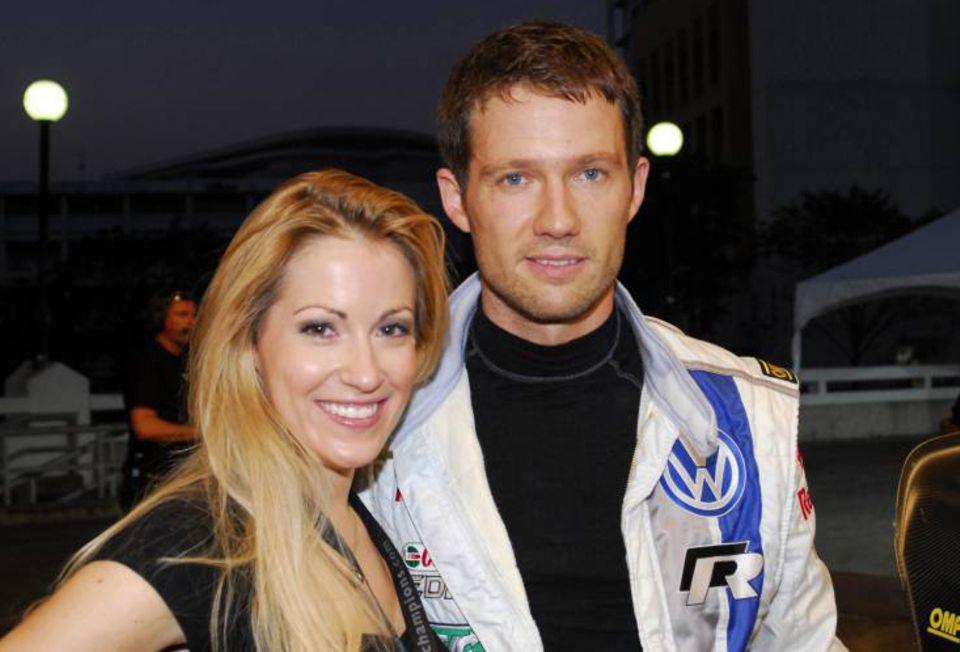 Es hat gefunkt: Bei der Arbeit verliebte sich Andrea Kaiser, 31, in den Rallye-Weltmeister Sébastien Ogier, 29. Davor war die Moderatorin drei Jahre mit Lars Ricken verheiratet.