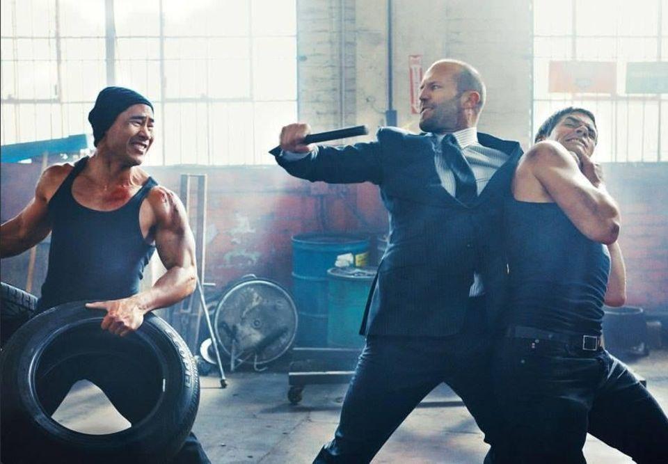 Actionszenen zu drehen bedeutet harte Arbeit. Das weiß auch Jason Statham.