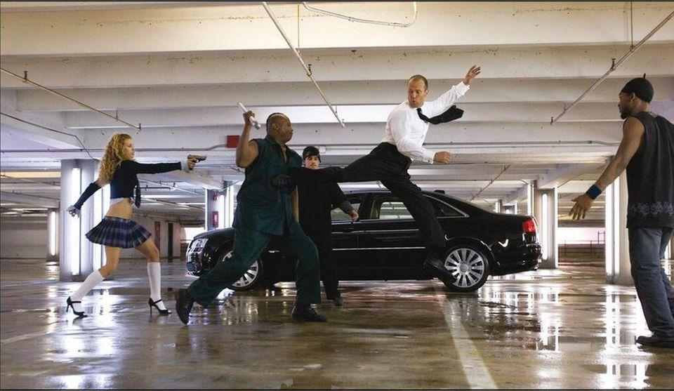 Auch wenn Jason Statham viele Action-Szenen selber dreht, sind immer Stuntleute mit am Set.