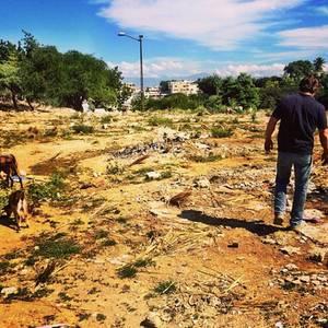 Für seinen ersten Instagram-Post ließ sich Sean Penn bei seiner Arbeit in Haiti fotografieren.