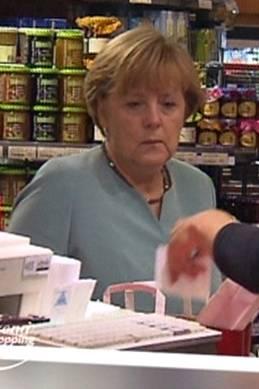 """Angela Merkel: Unfreiwillig bei """"Promi Shopping Queen"""""""