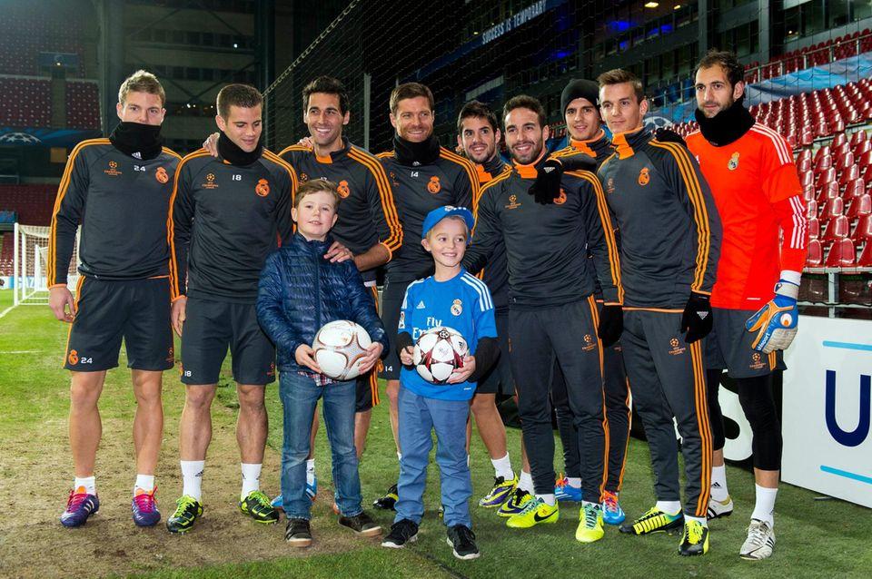 Prinz Christian ist Fan des Fußballvereins Real Madrid. Beim Training der Mannschaft für ihr Spiel gegen den FC Kopenhagen hatte er die Möglichkeit, seine Idole zu treffen.