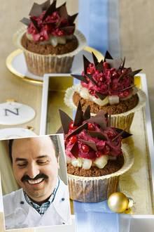 """""""Choco-Cupcakes"""" mit Birne und Rotwein-Preiselbeer-Creme"""