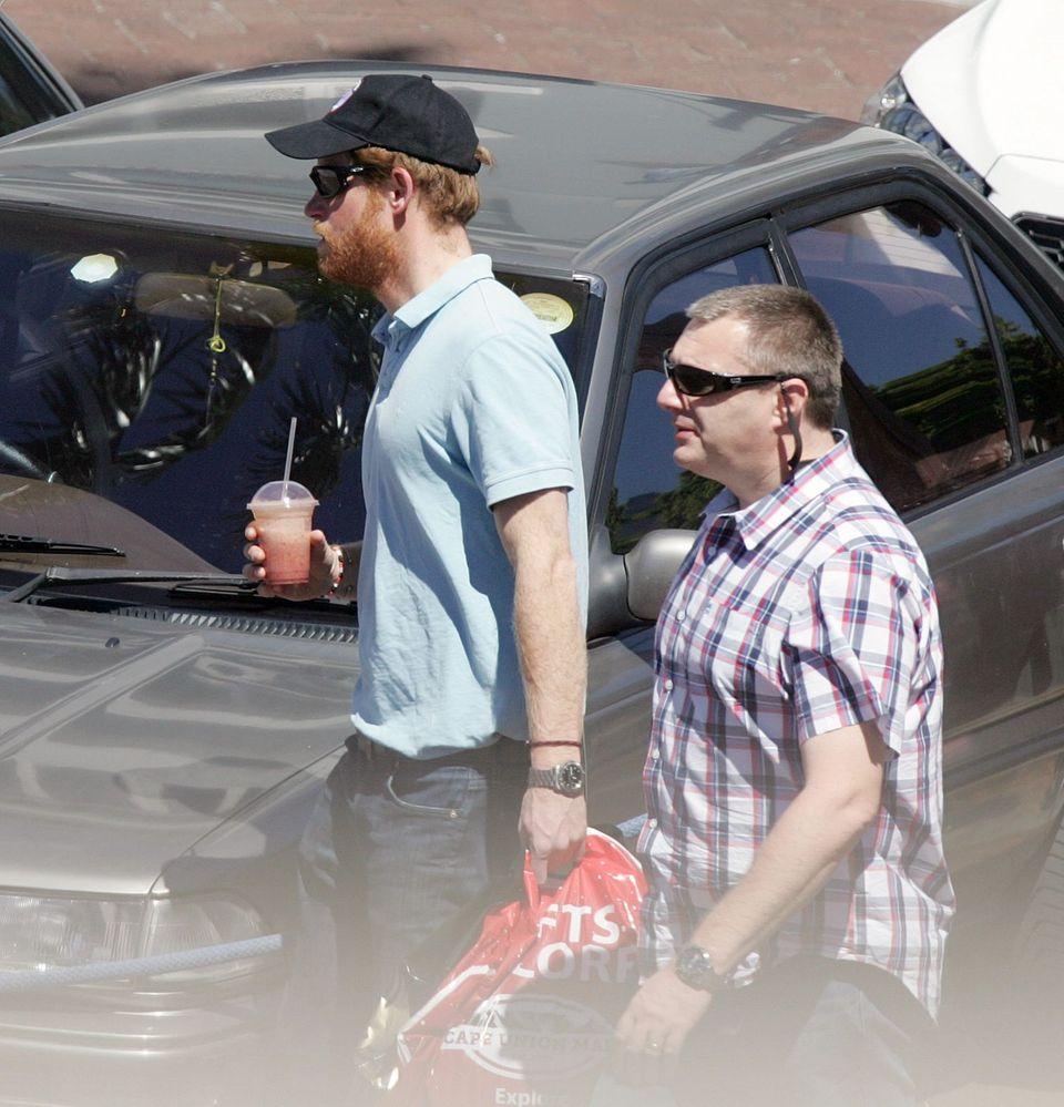 Prinz Harry macht eine Shoppingtour in Kapstadt.