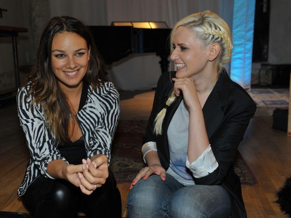 Janina Uhse und Sarah Knappik