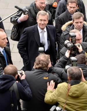 Die einstigen Freunde müssen jeweils im Prozess gegen den anderen aussagen: Olaf Glaeseker am 22. Januar, Christian Wulff am 10. Februar, beide in Saal 127.