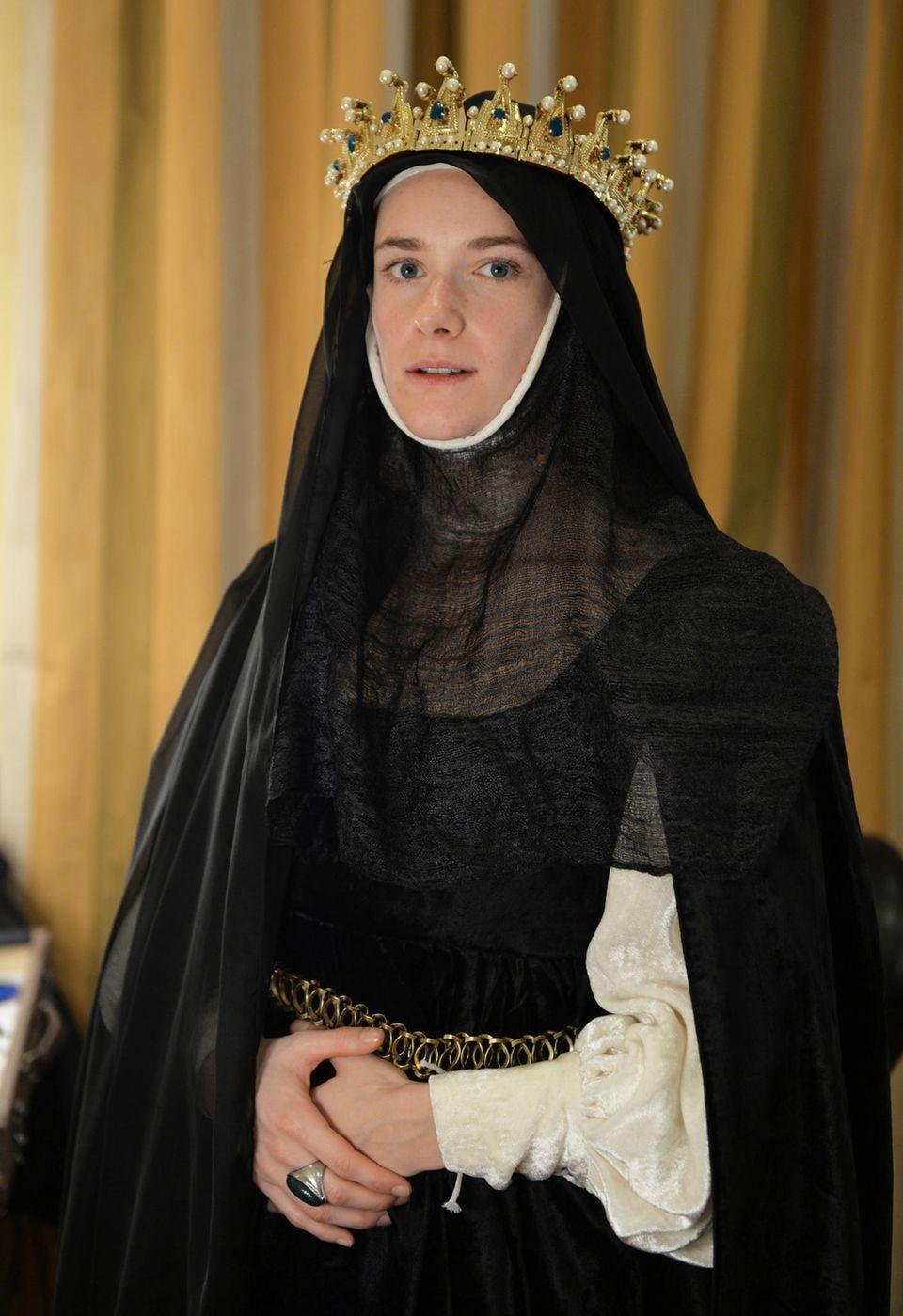 """Kaum wiederzuerkennen: Miriam Stein in der Rolle der """"Johanna von Kastilien"""" am Set von """"Borgia"""" in Dubrovnik."""