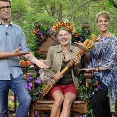 """Dschungelcamp 2014: Tag 16 Melanie Müller wird von Sonja Zietlow und Daniel Hartwig zur Dschungelkönigin 2014 gekrönt. Alle Infos zu """"Ich bin ein Star - Holt mich hier raus!"""" im Special bei RTL.de: http://www.rtl.de/cms/sendungen/ich-bin-ein-star.html"""