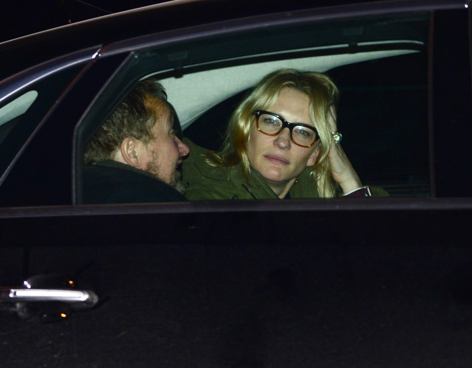 Cate Blanchett wirkt nach der Trauerfeier sehr traurig und nachdenklich zugleich.