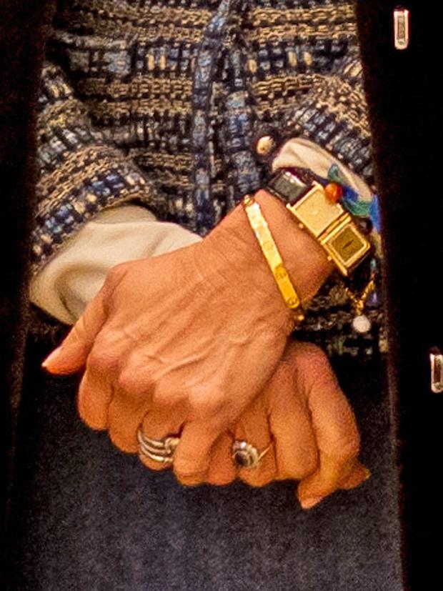 Königin Silvias Zwei-Zonen-Uhr zeigt die Uhrzeiten in Stockholm und New York an.