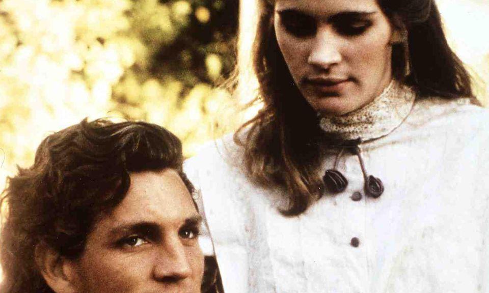 """Julia Roberts spielt in einem ihrer ersten Filme, """"Blood Red"""", 1989 an der Seite ihres Bruders Eric Roberts."""