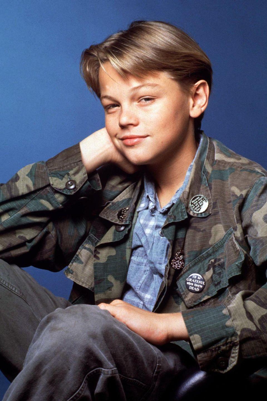 """Leonardo DiCaprio posiert für die Serie """"Parenthood"""" (1990). Nur sieben Jahre später bekam er die Hauptrolle in James Camerons """"Titanic""""."""