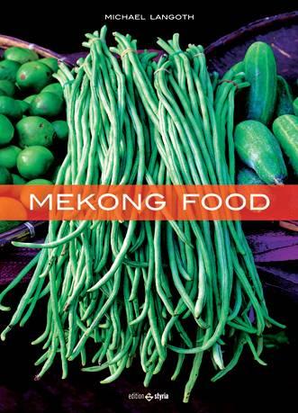 """Mit fast 5000 Kilometern Länge gehört der Mekong zu den Flussgiganten der Erde. Der Fotograf und Koch Michael Langoth hat die Region in Südostasien ausgiebig bereist. Nun präsentiert er einen faszinierenden Einblick in die unterschiedlichen Küchenkulturen an den Ufern der """"Mutter des Wassers"""". (""""Mekong Food"""", Edition Styria, 224 S., 39,99 Euro)"""