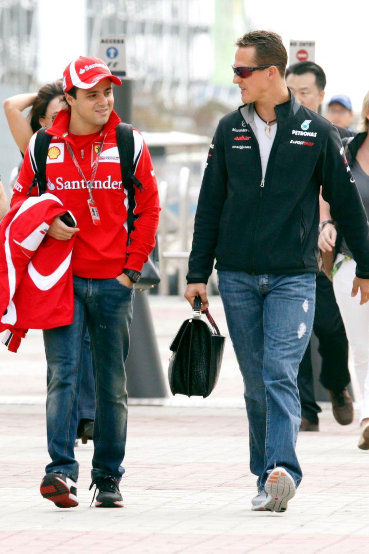 Felipe Massa und Michael Schumacher waren 2006 Teamkollegen bei Ferrari und sind auch darüber hinaus in engem Kontakt geblieben. Das Foto zeigt die Rennfahrer 2011 in Südkorea.