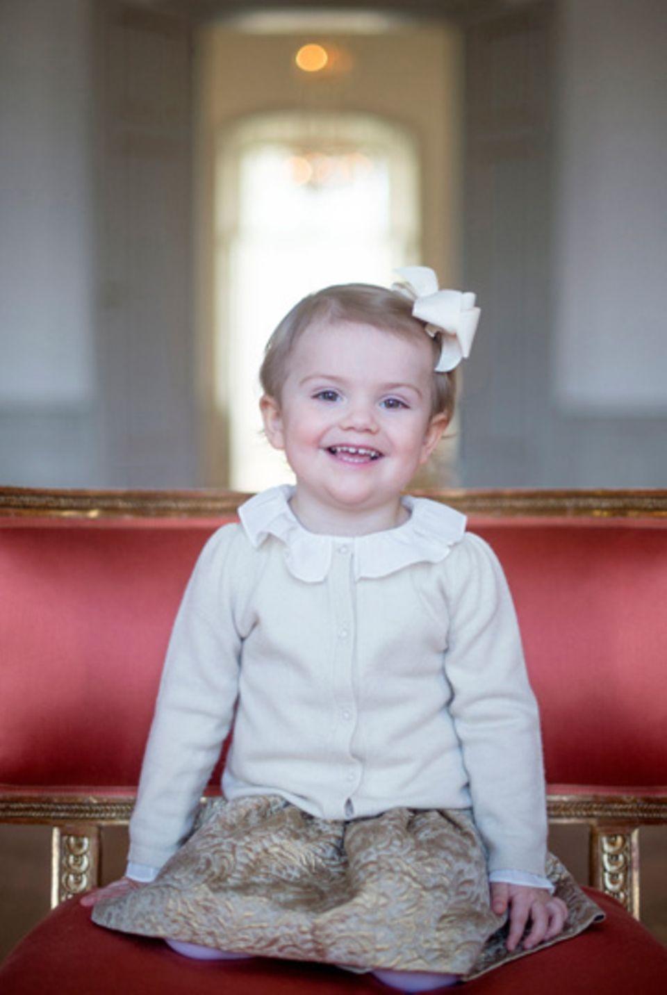 Estelle freut sich: Die kleine Prinzessin wird heute schon zwei Jahre alt.