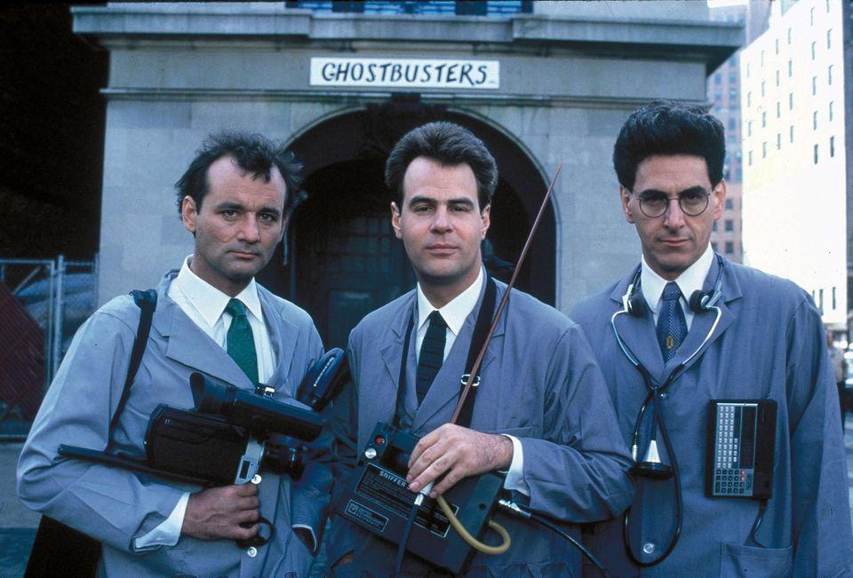"""Die Filme """"Ghostbusters"""" und """"Ghostbusters 2"""" mit Bill Murray, Dan Akroyd und Harold Ramis sind Kult. Die Fans hofften immer auf einen dritten Teil der Geisterjägergeschichte."""
