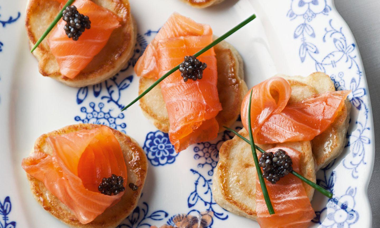 Gebeizter Wildlachs auf Blini mit Kaviar
