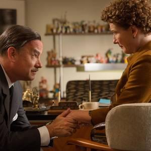 """""""Walt Disney"""" (Tom Hanks) will die Filmrechte für die """"Mary Poppins""""-Bücher von """"P.L. Travers"""" (Emma Thompson)."""