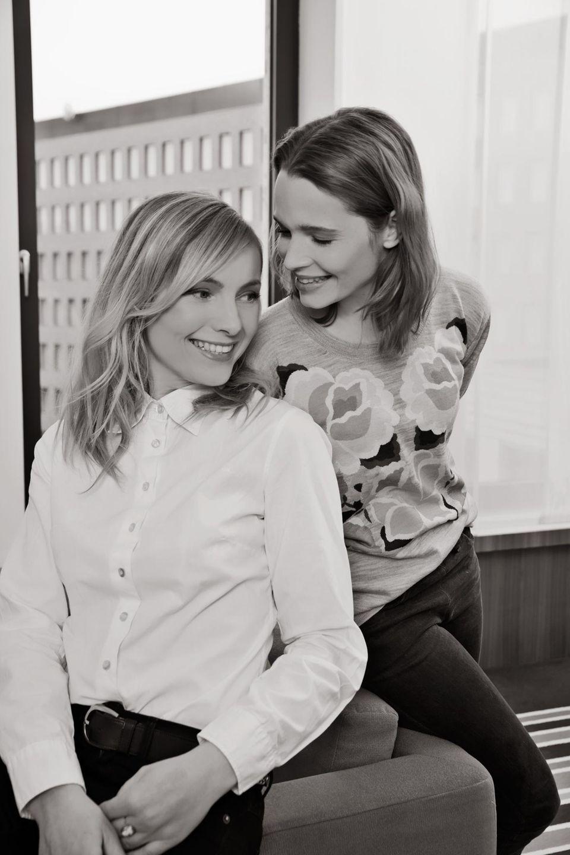Scharfsinnig, entspannt und in bester Laune: Karoline Herfurth und Nadja Uhl beim Shooting und Interview mit Gala