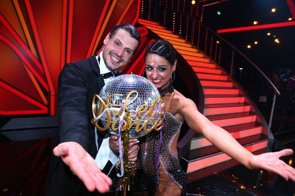 """Tanzkönig: 2013 gewann Manuel Cortez mit seiner Tanzpartnerin Melissa Ortiz-Gomez das Finale der RTL-Show """"Let's Dance""""."""