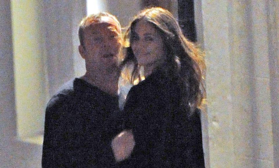 Liz Hurley wurde beim Turteln mit David Yarrow erwischt.