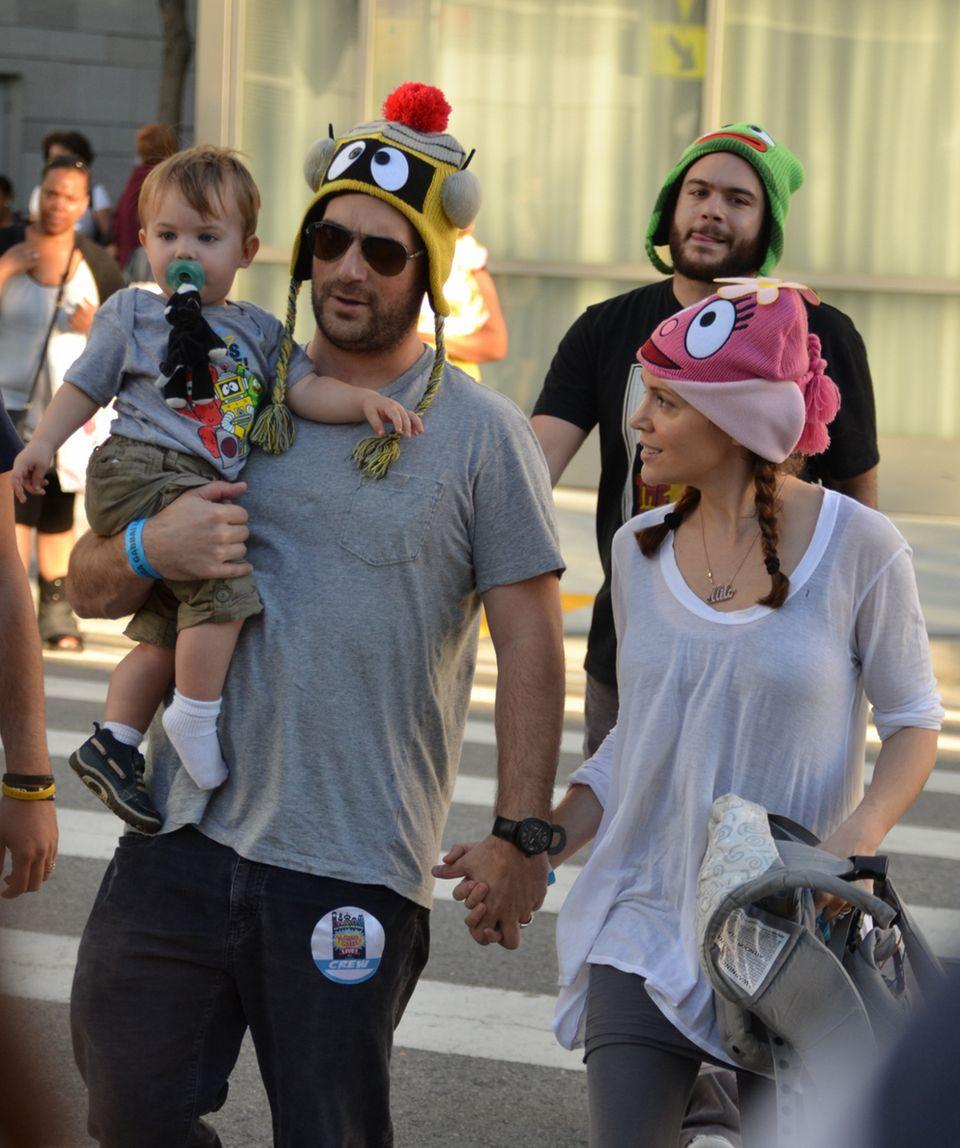 Alyssa Milano, ihr Mann David Bugliari und Söhnchen Milo freuen sich auf den Familienzuwachs.