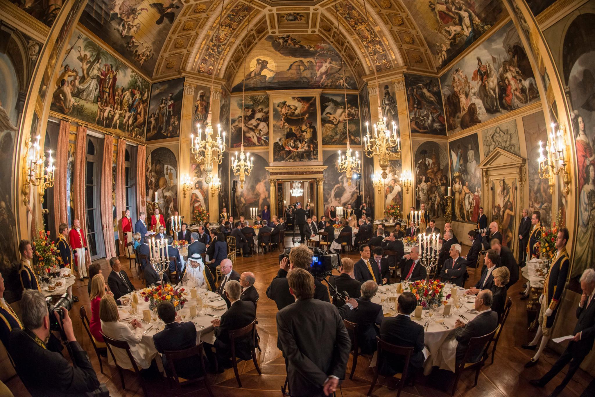 In diesem Festsaal im Könisgpalast in Den Haag fand das Dinner mit internationalen Politikern, darunter auch US-Präsident Barack Obama, statt.