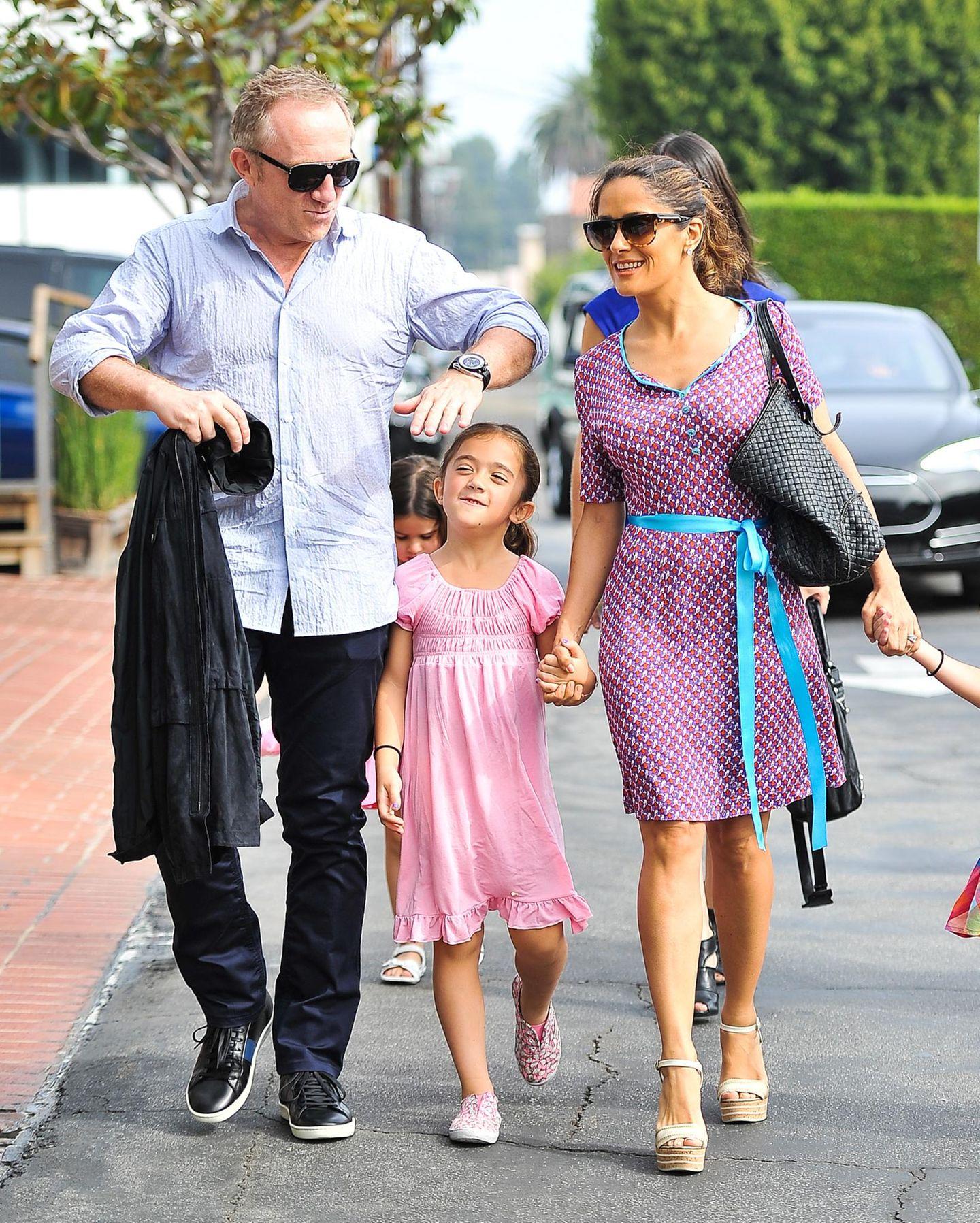 26. Oktober 2013: Francois-Henri Pinault und Salma Hayek sind mit Tochter Valentina in West Hollywood auf dem Weg zu Fred Segal.
