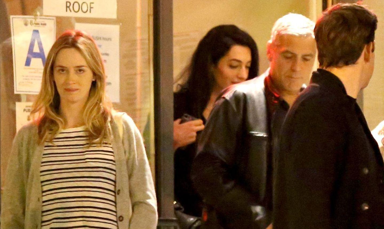 George Clooney und seine neue Freundin Amal Alamuddin treffen sich in Los Angeles zum Doppel-Date mit Emily Blunt und John Krasinski.