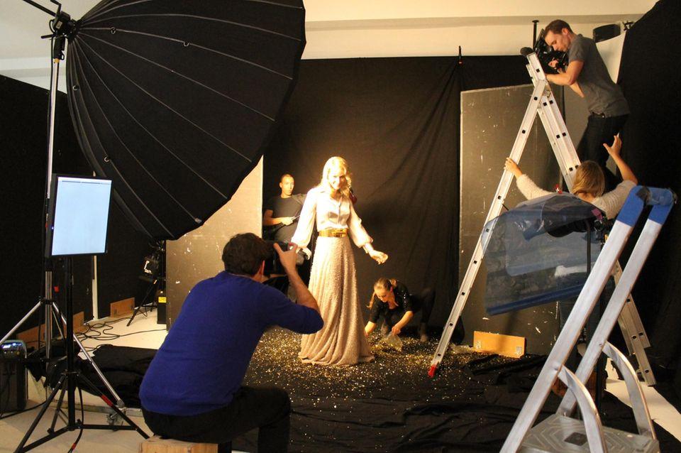 So edel kann Bluse plus Rock aussehen: Glamour-Girl Judith Rakers