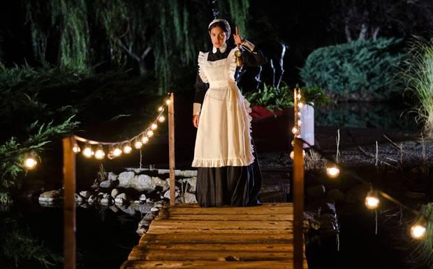 """Hausmädchen """"Cristina"""" (Paula Prendes) verschwindet in einer dunklen Nacht. Was ist mit ihr passiert?"""