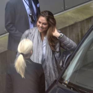 Prinzessin Madeleine am Flughafen Stockholm-Arlanda