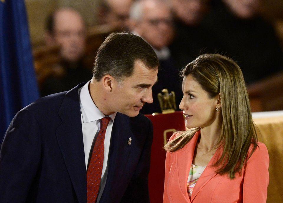 Die Ehe und das Familienleben von Prinz Felipe und seiner Frau Letizia gilt als skandalfrei. Das Paar hatte sich am 22. Mai 2004 das Ja-Wort gegeben.