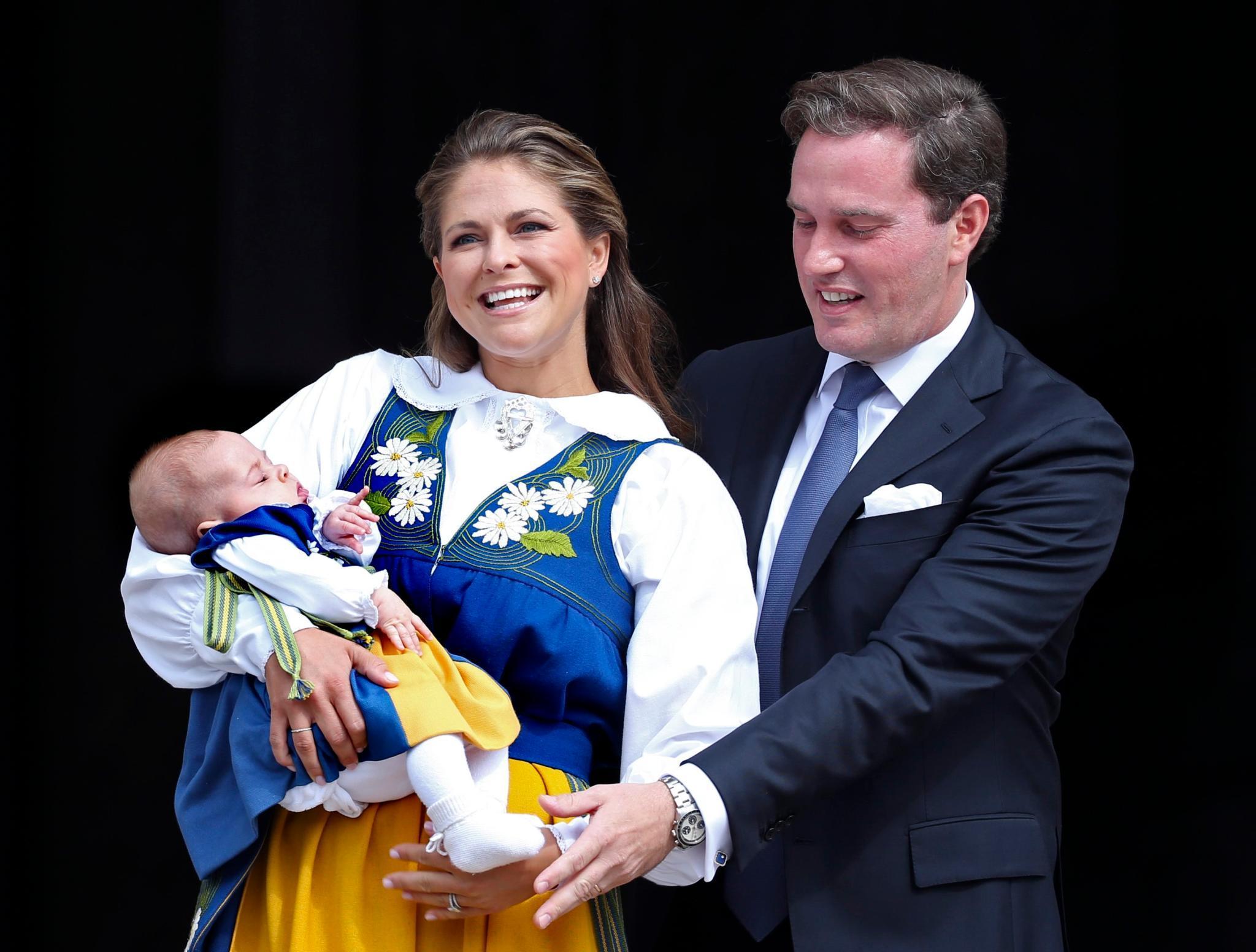 Prinzessin Madeleine von Schweden und ihr Mann Chris O'Neill mit Tochter Leonore in Schweden