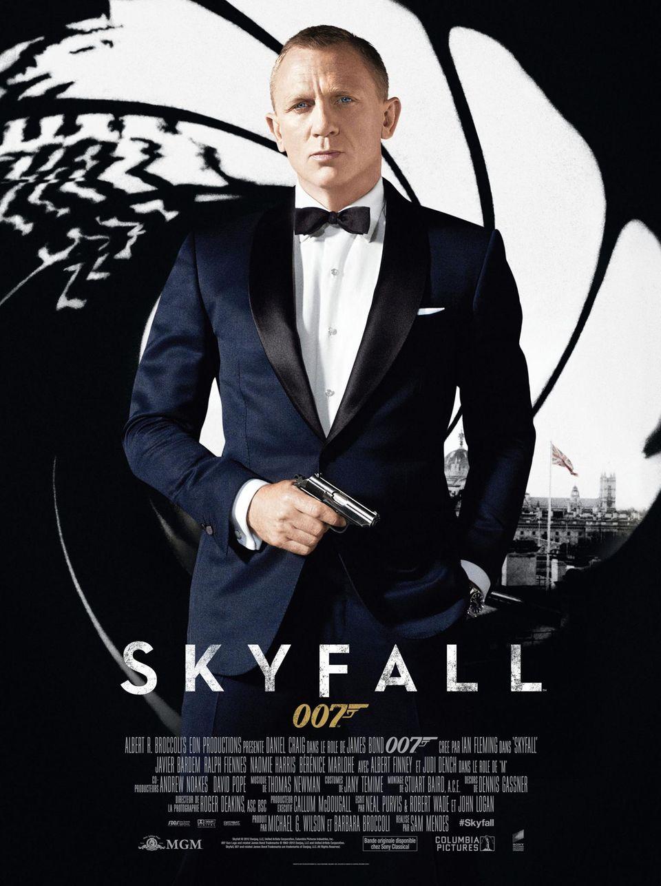 """I like you better without your Beretta."" Daniel Craig alias James Bond in ""Skyfall"" (2007) über die Waffen einer Frau."