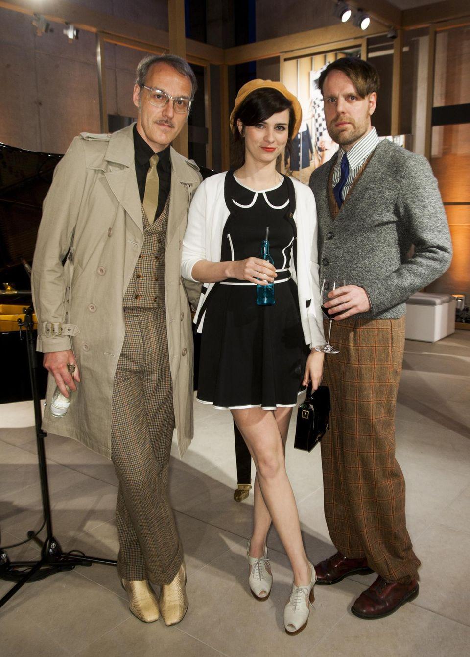 Erst vor eineinhalb Jahren gründete Nora Tschirner, die seit einem Jahr Mutter ist, zusammen mit Erik Lautenschläger (r.) und Tom Krimi die Chanson-Popband Prag.