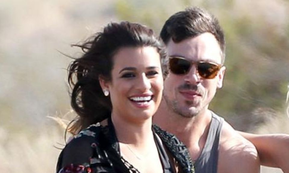 "Lea Michele, dahinter Matthew Paetz, beim Videodreh zu ""On My Way""."